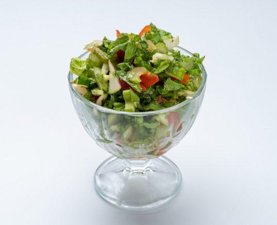 Салат овощной с сельдереем